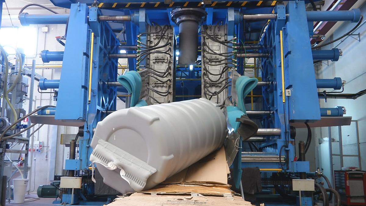 stampaggio-per-soffiaggio-prodotti-in-materiale-termoplastico